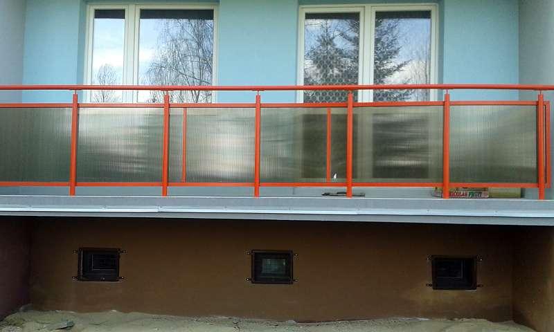 balkon ze stali nierdzewnej